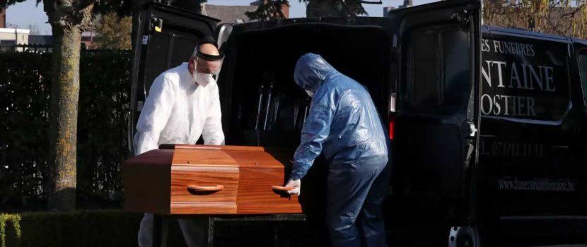 El mundo se acerca al millón de muertes por COVID sin vislumbrar un final