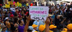 """Reglas del Gobierno tienen """"efecto devastador"""" en beneficiarios de DACA y TPS"""