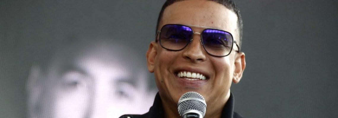 Daddy Yankee pone juego de baloncesto similar a salas de máquinas en su web