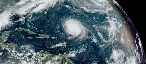 La tormenta Beta amenaza la costa de EEUU y el huracán Teddy a Bermudas