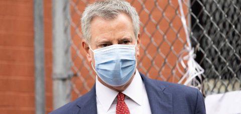 El alcalde de Nueva York pide al público no viajar en la temporada festiva