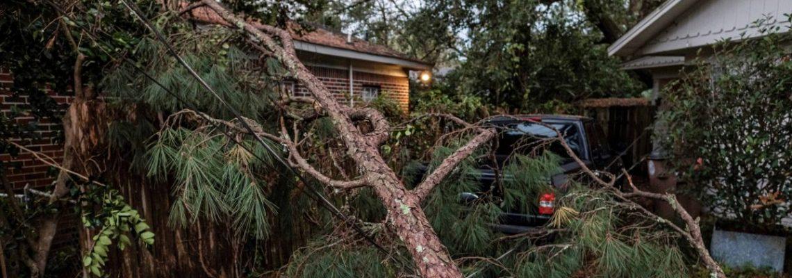 Zeta se degrada a ciclón post-tropical tras dejar cinco muertos en el sur de EE.UU.