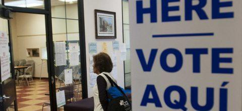 Apuran los últimos días para registrar 150.000 votantes latinos en Arizona
