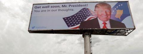 Retiran enorme letrero de Trump no autorizado en ladera de Los Ángeles