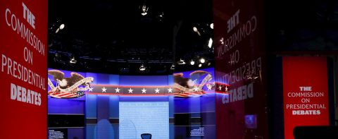 Kamala Harris enfrenta con cautela su debate contra Mike Pence