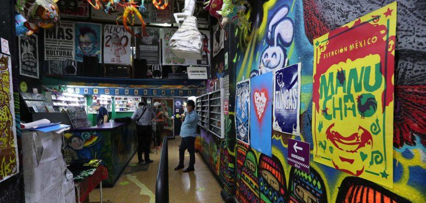 La casa del rock mexicano vende afiches para vencer a la pandemia