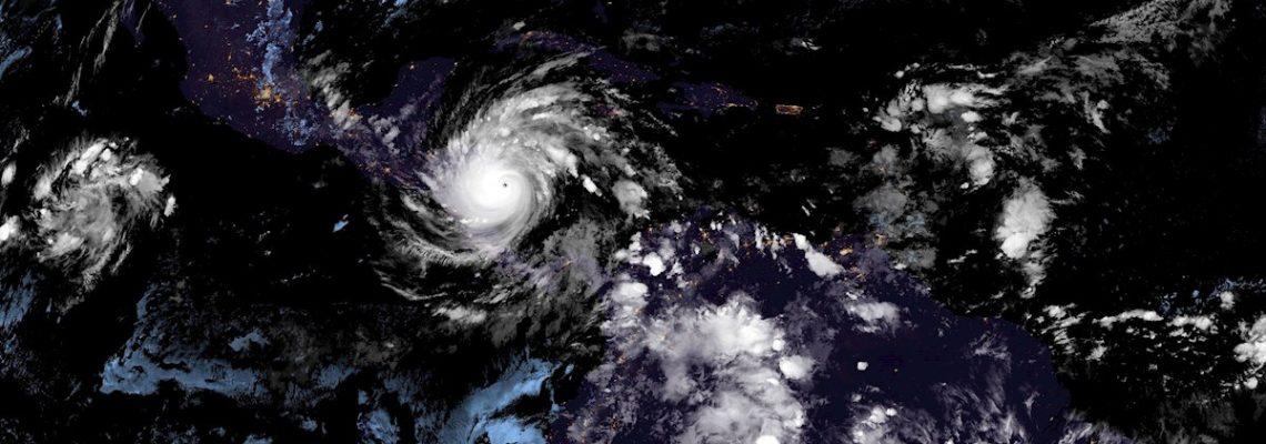 Iota se degrada a tormenta tropical en su avance por el norte de Nicaragua
