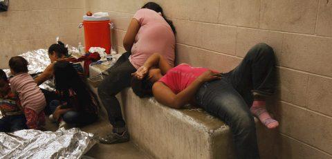 Brote de covid-19 afecta a familias migrantes en riesgo de deportación