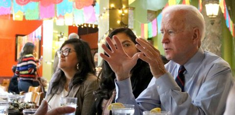 Los latinos están más esperanzados y menos enojados tras las elecciones