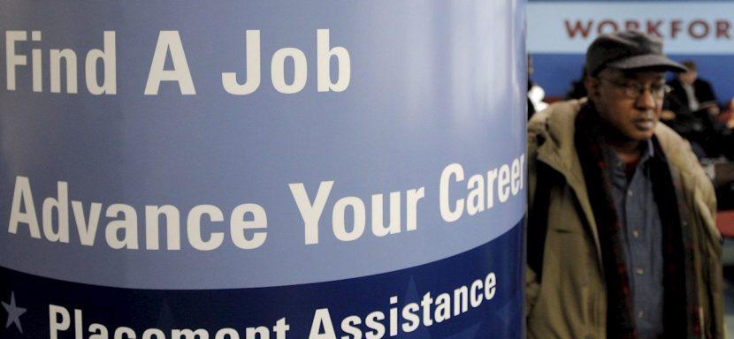Millones perderán la ayuda de desempleo por el rechazo de Trump a la ley de estímulo