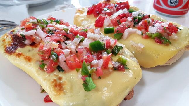 "How Is the Popular Mexican Salsa ""Pico de Gallo"" Made?"