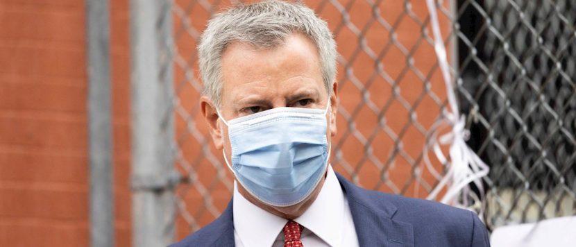 Batalla política en Nueva York por la lentitud en la vacunación contra la covid-19
