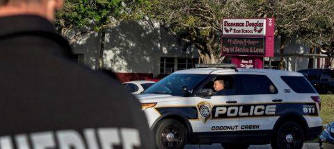 Arrestan a ex soldado de Florida que buscaba atacar a trumpistas en protestas