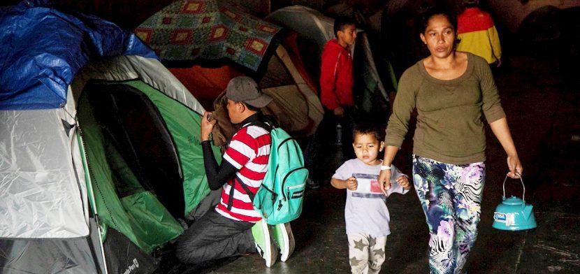 EE.UU. reinicia casos de asilo de 25.000 migrantes con apoyo de México y ONU