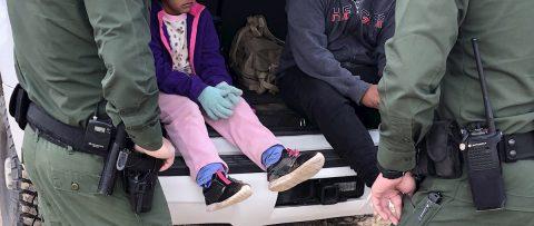 La llegada de niños no acompañados menores de 13 años se duplica