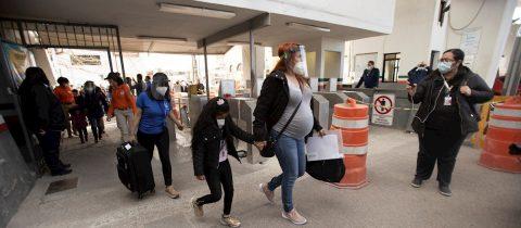 Celebran como día histórico reapertura de frontera para solicitantes de asilo